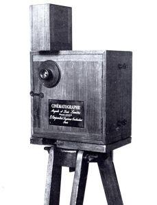 461px-CinematographeCamera