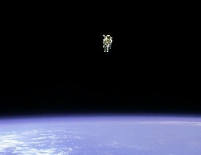 AstronautBruceMcCandlessUnteathered2