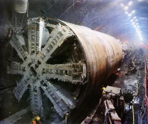 1275746_Channel_Tunnel_TBM004_4_