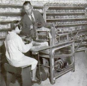 Otto and his bread slicing machine