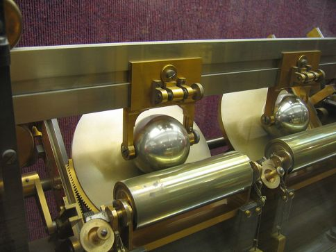 Disc and sphere from Lord Kelvin's harmonic analyzer of 1878. Used for mathematical analysis of tides