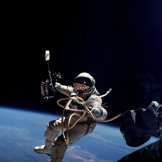 Ed_White_first_U_S__spacewalk