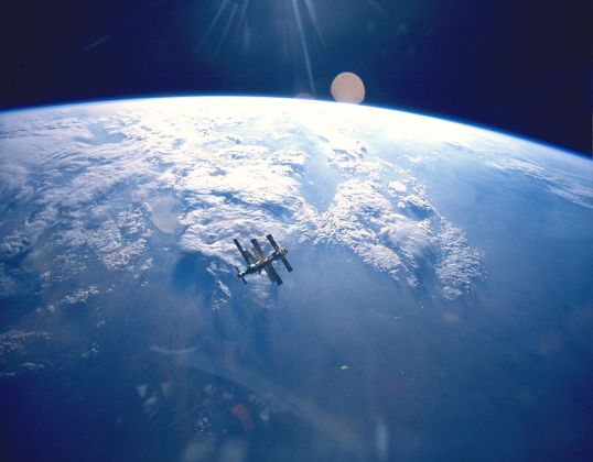 Mir in earth orbit