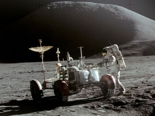 800px-Apollo_15_Lunar_Rover_and_Irwin