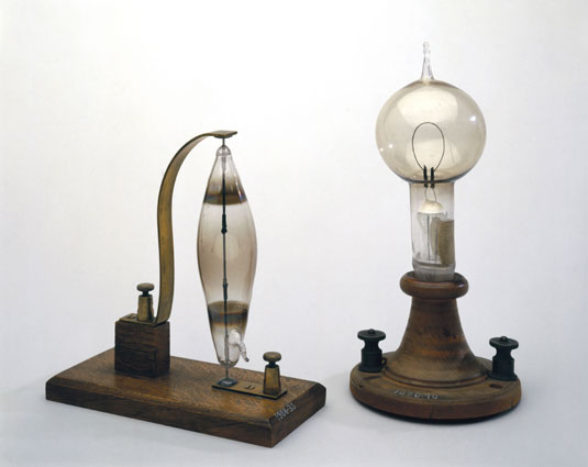 Joseph Swan's 1878 invention (left) and Thomas Edison's light bulb of 1879
