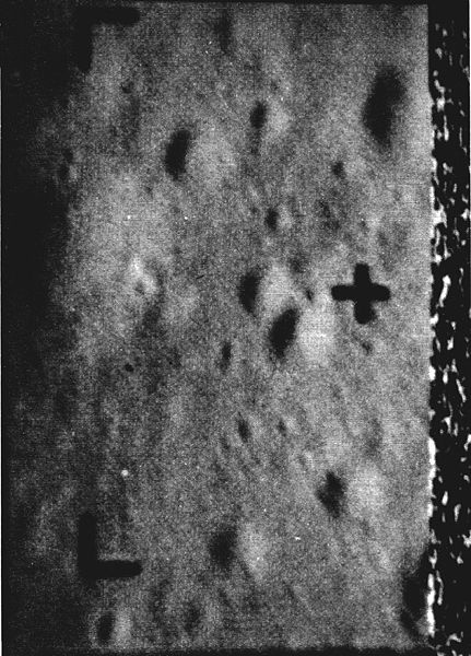 Last picture by Ranger VII, taken about 1600 feet above the moon, reveals features as small as 15 inches across. Receiver noise pattern at right results from spacecraft crash on the moon while transmitting.