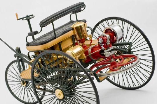 Mercedes_Patent_Motorwagen_1886_003