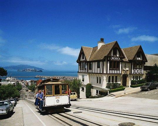 Russian-Hill-Cable-Car-San-Francisco