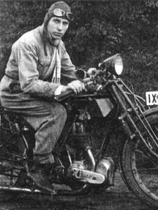 Pilot Erich Warsitz
