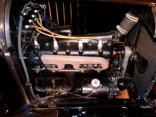 1920_ford_model_t_roadster_engine