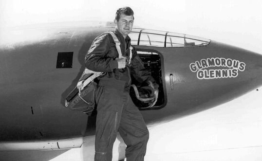 800px-Chuck_Yeager