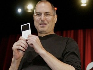 steve-jobs-presented-the-first-ipod-10-years-ago-today