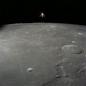 596px-Lunar_module_AS12-51-7507