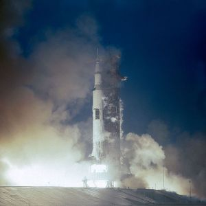 600px-Apollo_12_launches_from_Kennedy_Space_Center