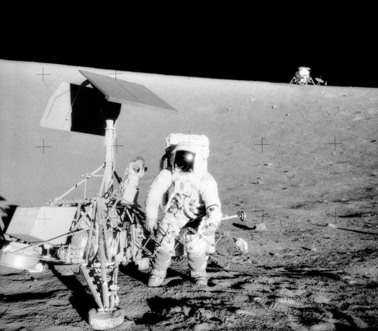 685px-Surveyor_3-Apollo_12