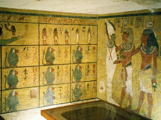 Painted walls in the burial chamber