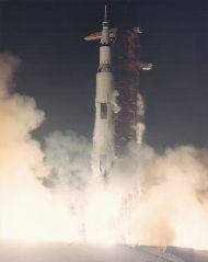 476px-Apollo_17_liftoff