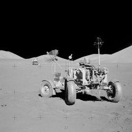 597px-Apollo_17_rover_at_final_resting_site