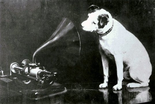 Nipper with the Edison-Bell Cylinder phonograph